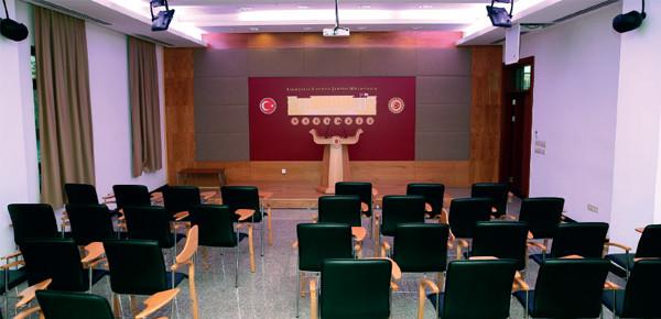 Halkla İlişkiler Binası Zemin Kat Toplantı Salonu